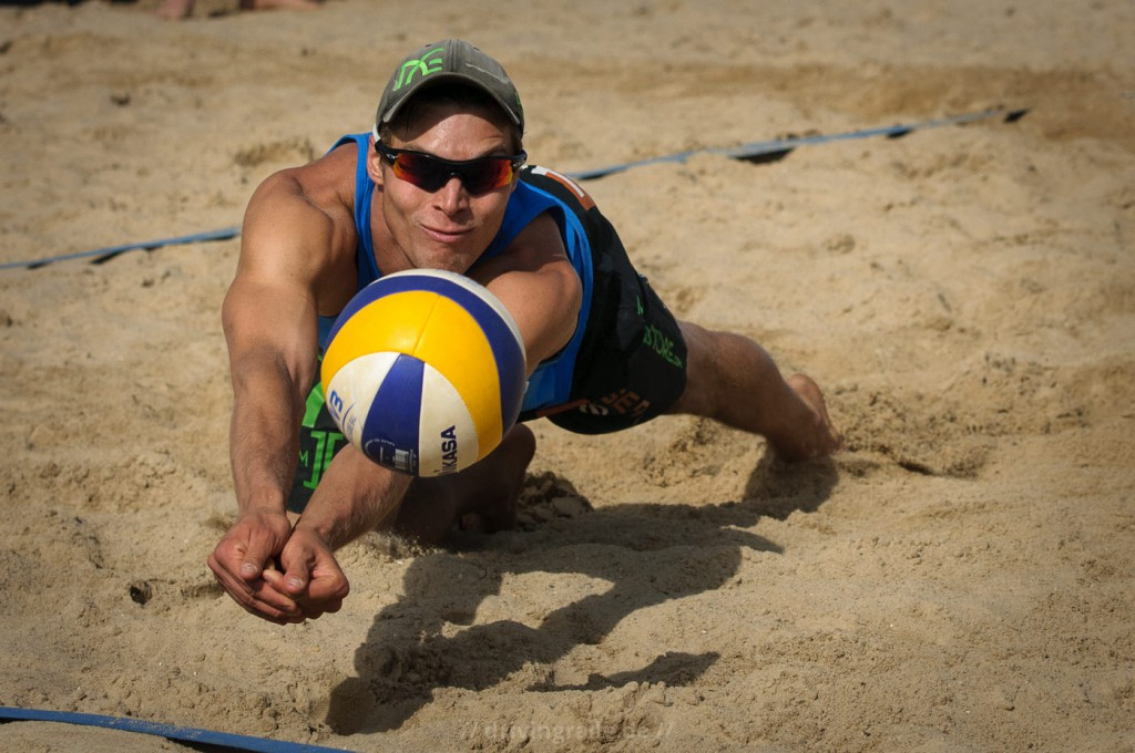 Reach The Ball | Smart Beach Tour 2012 Hamburg | von: Drivingralle.de